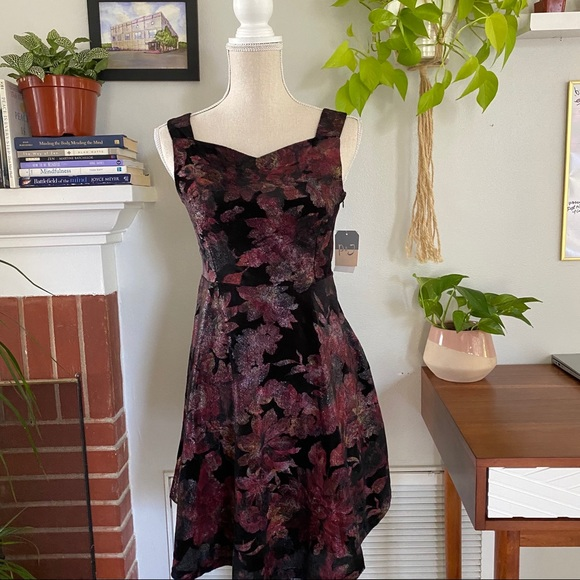 NWT Pastourelle by Pippa & Julie dress size 16